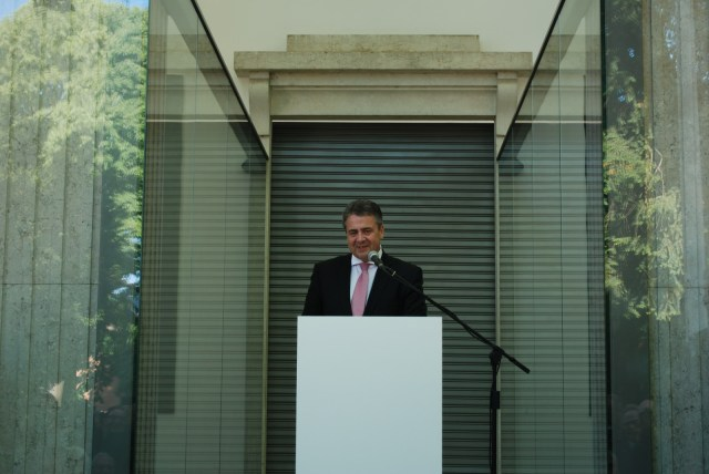 Opening speech by Sigmar Gabriel at the German Pavilion. Photo: Moritz Niehues.