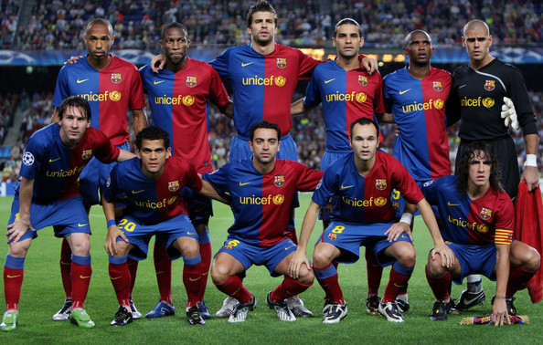 Gerard Pique Barcelona players (Bottem L-R) Lionel Messi, Daniel Alves, Xavier Hernandez, Andres Iniesta, Carles Puyol and (Top L-R) Thierry Henry, Seydou Keita, Gerard Pique, Rafael Marquez, Samuel Eto'o and Victor Valdes pose for a team picture prior to the UEFA Champions League Group C match between Barcelona and Sporting Lisbon at the Camp Nou stadium on September 16, 2008 in Barcelona, Spain. Barcelona won the match 3-1.