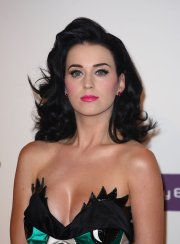katy perry 2010 prom hairstyle