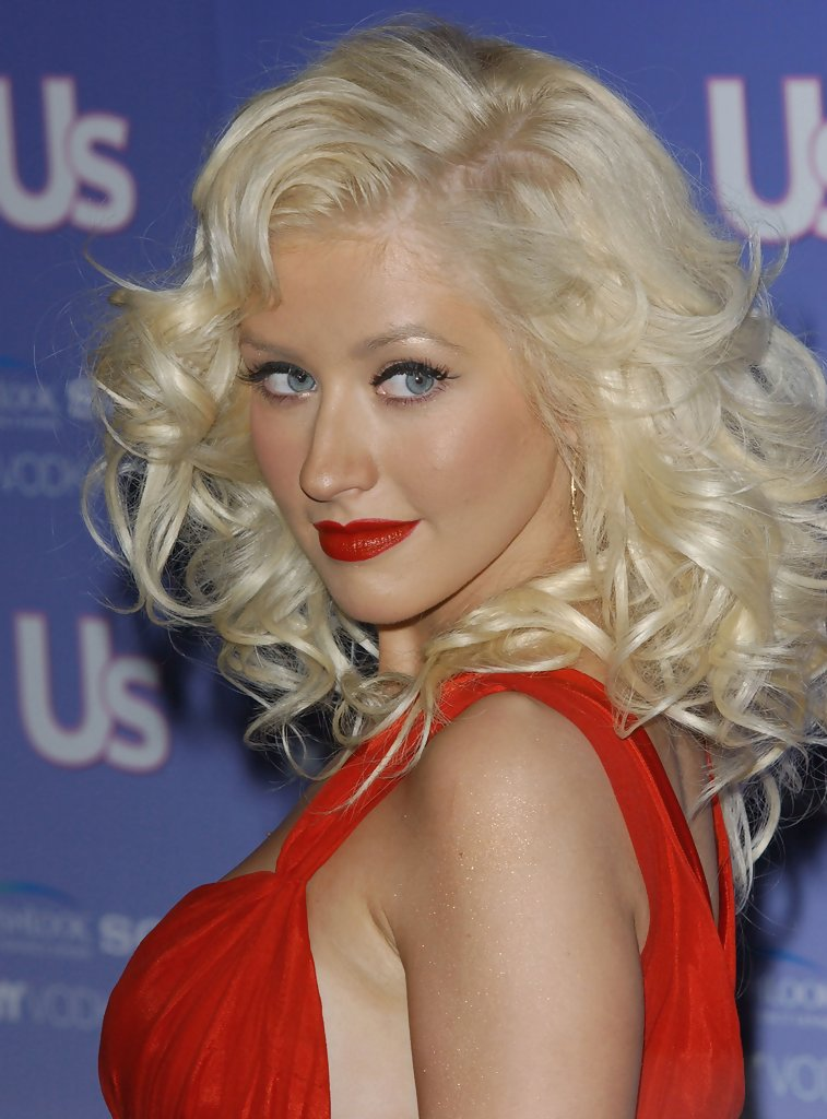 Christina Aguilera Medium Curls Christina Aguilera