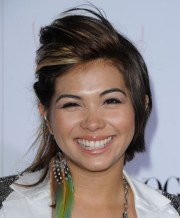 hayley kiyoko asymmetrical cut