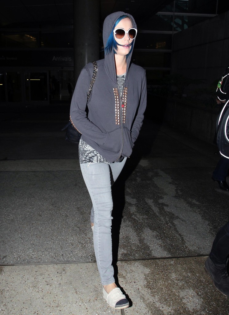 Katy Perry Canvas Shoes  Katy Perry Casual Shoes Looks  StyleBistro