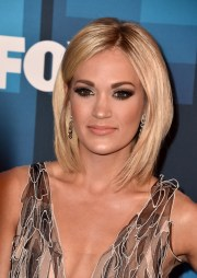 carrie underwood medium layered