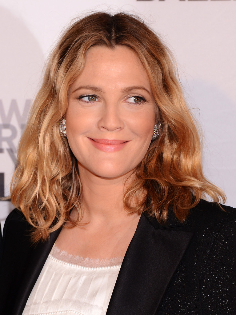 Drew Barrymore Medium Wavy Cut Drew Barrymore Looks