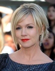 jennie garth messy cut - short