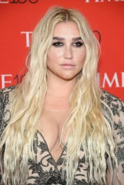 kesha long wavy cut - hairstyles