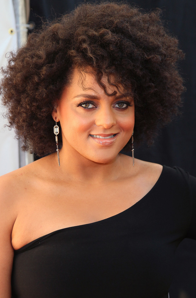Marsha Ambrosius Short Curls Short Curls Lookbook