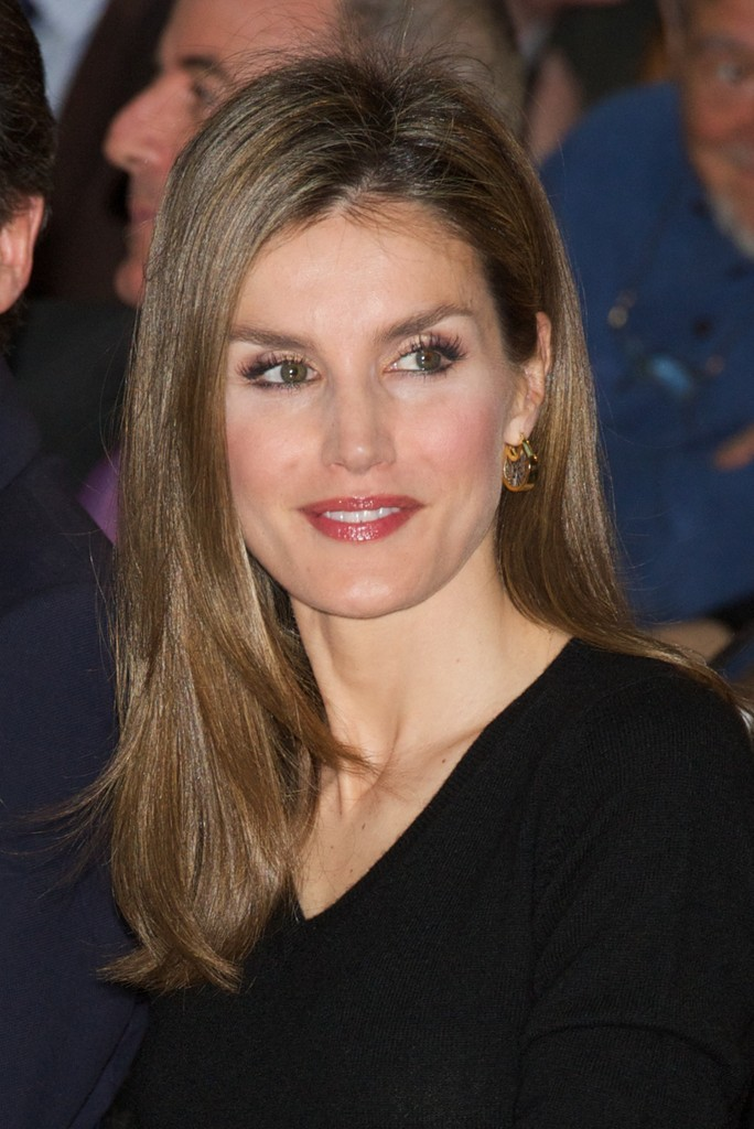 Queen Letizia of Spain Long Straight Cut  Queen Letizia