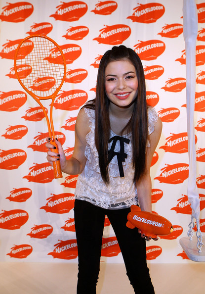 Miranda Cosgrove Hairstyles For Round Faces StyleBistro