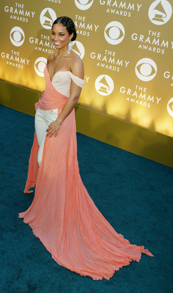 Alicia Keys 2004  The Best Grammy Awards Looks of All Time  StyleBistro