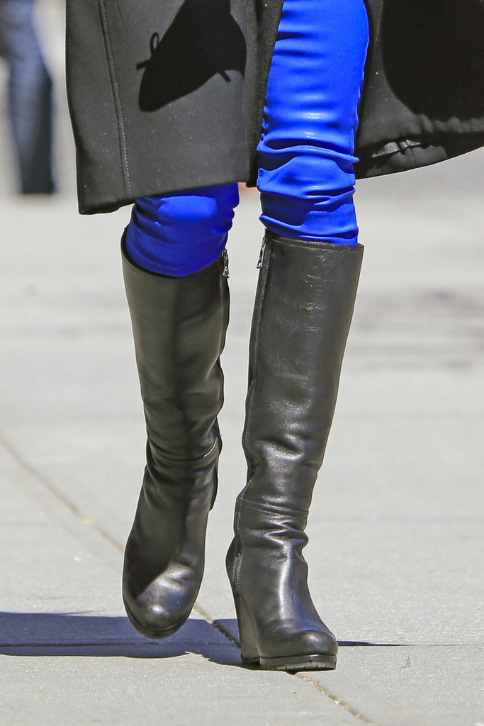 Bethenny Frankel Knee High Boots Knee High Boots
