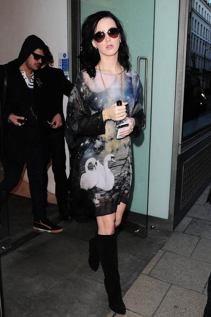 Katy Perry Knee High Boots  Katy Perry Shoes Looks