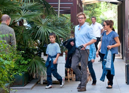 Simon Baker in Simon Baker and Family Visit the Musee ...