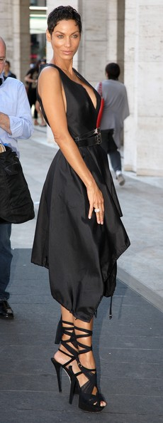 Nicole Murphy - Nicole Murphy Leaving The Badgley Mischka Fashion Show