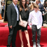 Hollywood Fashion with Victoria Beckham - Pregnant in Über Heels