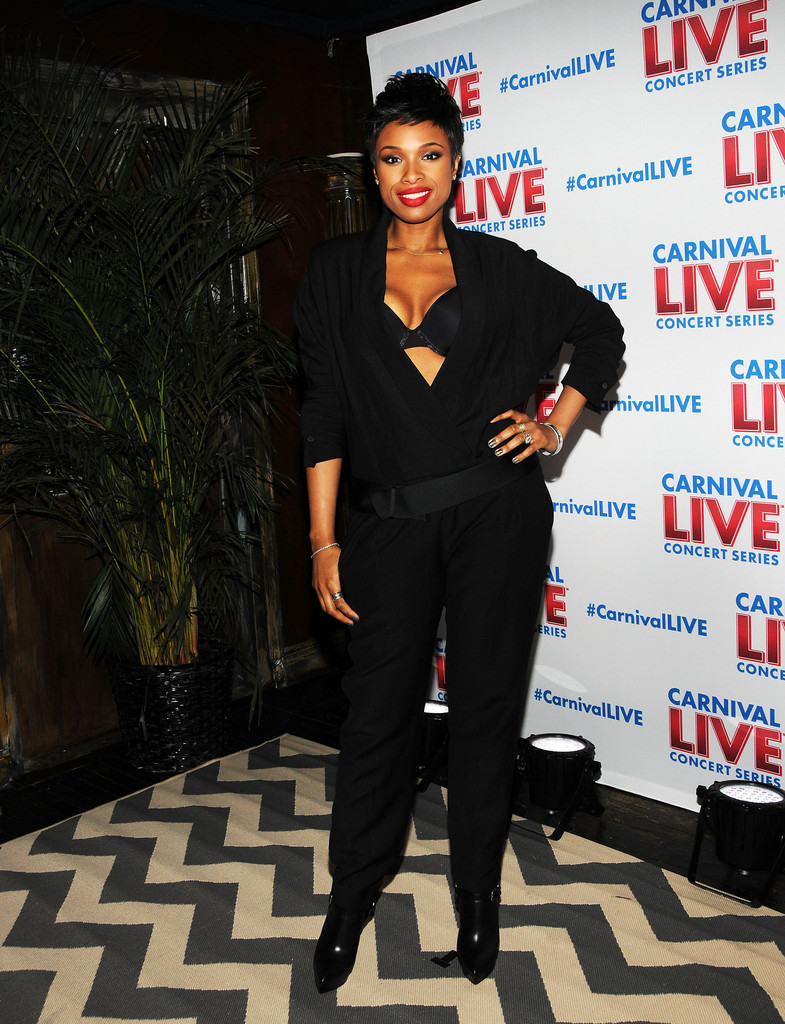 jennifer hudson in black