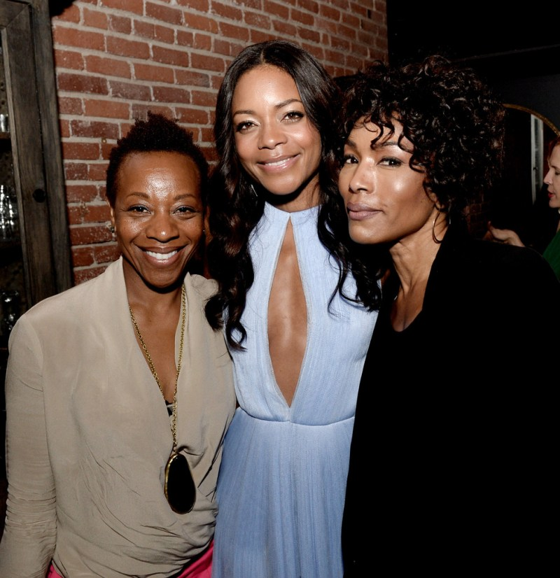 https://i0.wp.com/www3.pictures.zimbio.com/gi/Naomie+Harris+Mandela+Long+Walk+Freedom+Afterparty+YDkE-K_MNiAx.jpg?resize=800%2C826