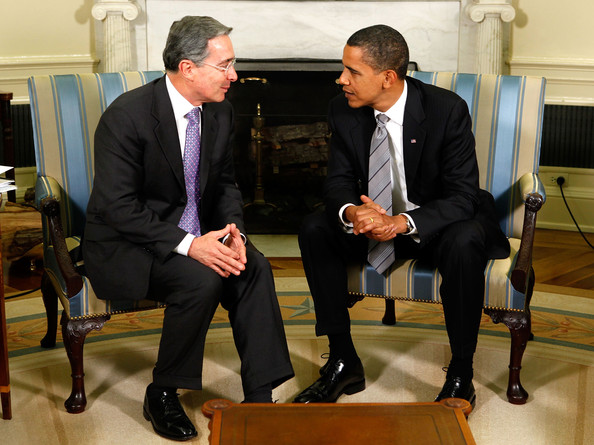 President Álvaro Uribe meets with Obama