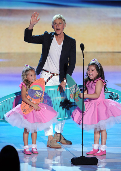 Comedian Ellen DeGeneres (C) with Rosie McClelland, and Sophia Grace Brownlee accept the Choice Comedian award onstage during the 2012 Teen Choice Awards at Gibson Amphitheatre on July 22, 2012 in Universal City, California.