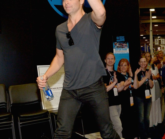 Chris Pine Comic Con  By Chris Pine Photos Photos Wonder Woman Cast Signing At