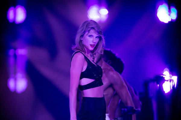10 Celebs Taylor Swift Should Add to Her 1989 Tour Squad