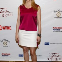 Laura Linney Makes a Simple yet Rocking Fashion Statement at Taste for a Cure 2011