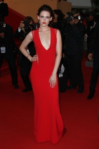 Kristen Stewart Photos Photos - Stars Hit the Red Carpet ...