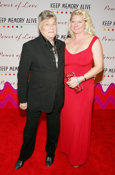 Actor Tony Curtis (L) and his wife Jill Curtis arrive at the Keep Memory Alive Foundation's 10th annual gala to benefit the Lou Ruvo Alzheimer's Institute at the MGM Grand Conference Center February 11, 2006 in Las Vegas, Nevada.