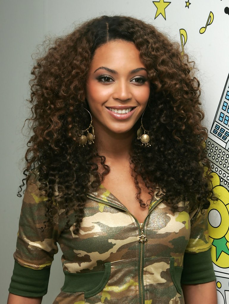 Beyonce Knowles Photos Photos MTV TRL Presents Beyonce