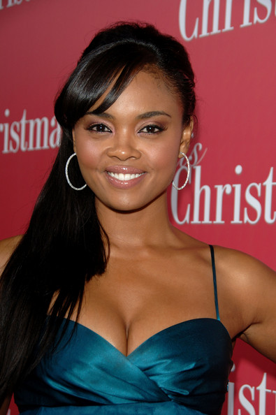 Sharon Leal Actor Sharon Leal attends the premiere of Screen Gems 'This Christmas' at the Cinerama Dome on November 12, 2007 in Hollywood, California.