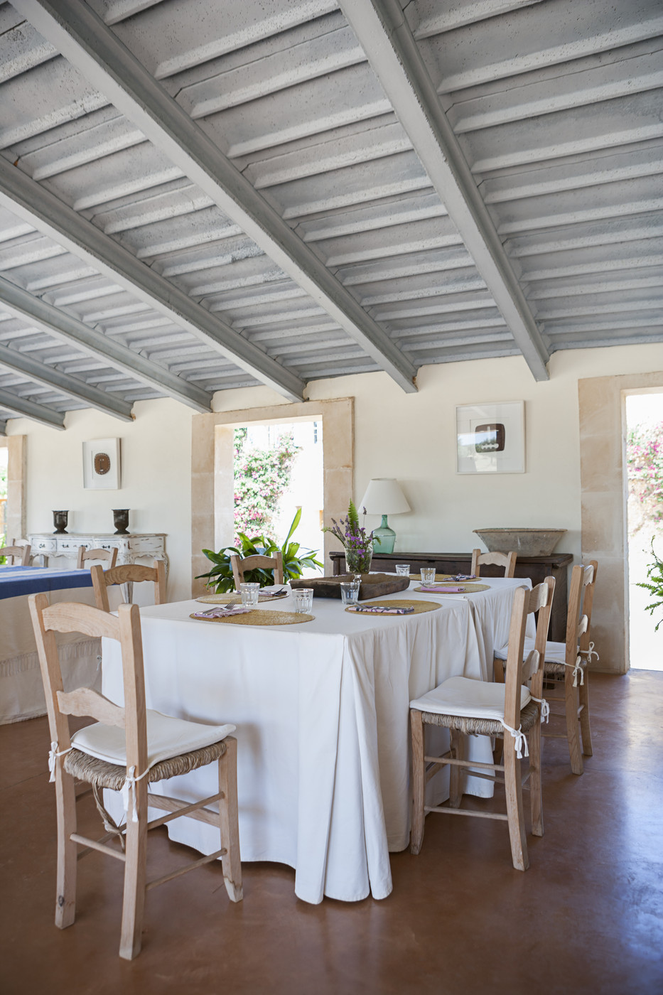Exposed Beams Photos Design Ideas Remodel And Decor