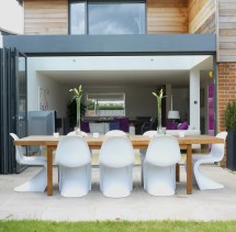 Modern Outdoor Patio Dining