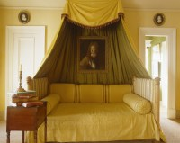Fabric Bed Canopy Photos (5 of 41)