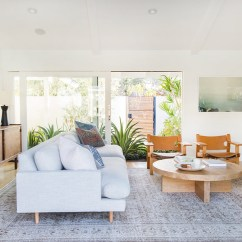 Modern Living Room With Persian Rug Arrange Tv Buy A Online See It Now Lonny Courtesy Of Amber Interiors Oh Rugs