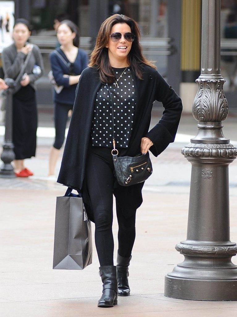 Eva Longoria Leather Shoulder Bag  Eva Longoria Looks