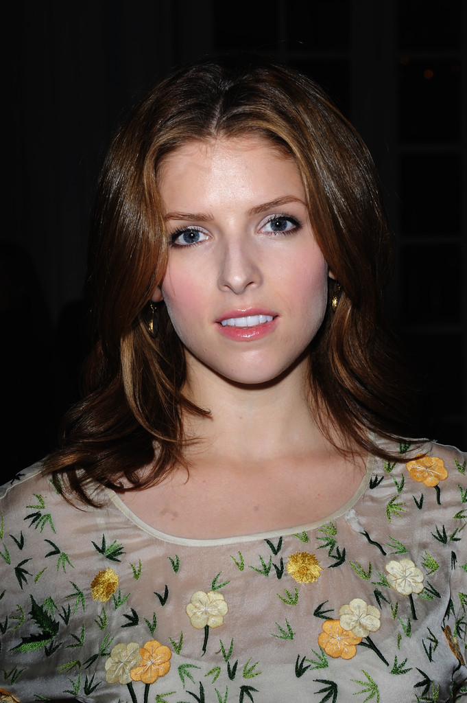 Anna Kendrick Medium Layered Cut  Medium Layered Cut