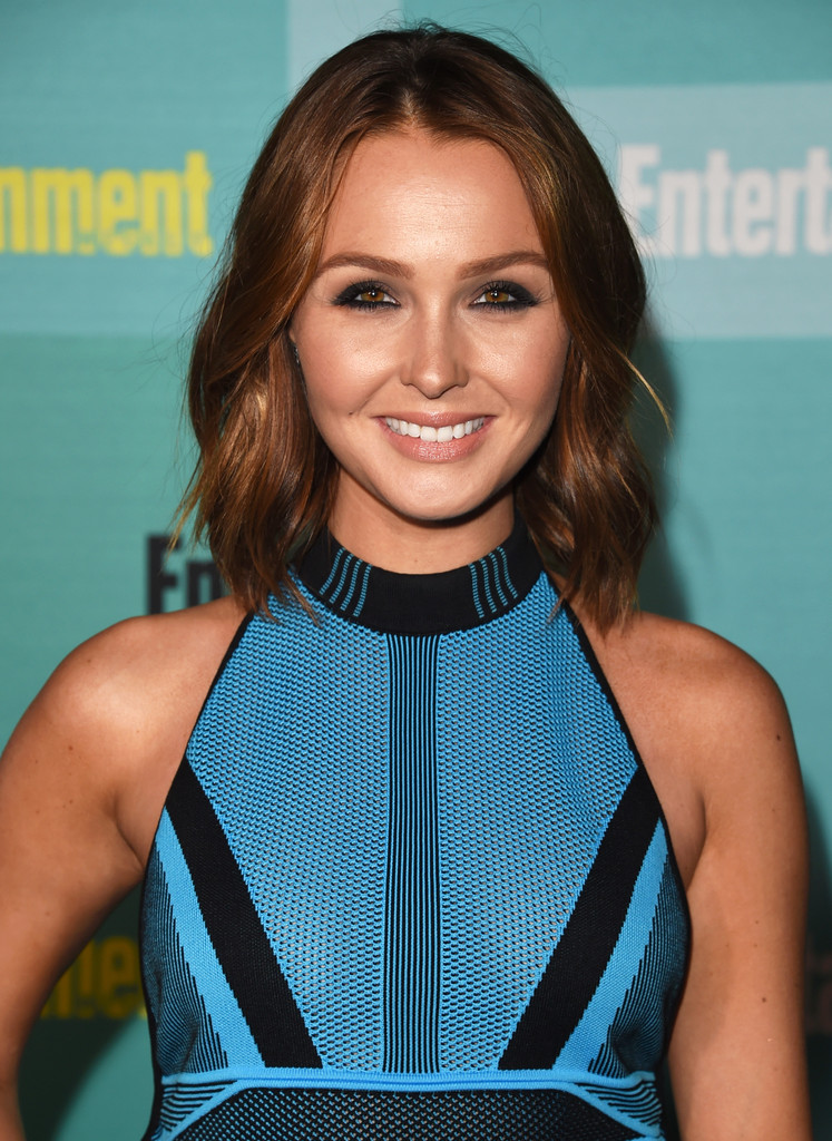 Camilla Luddington Medium Wavy Cut Shoulder Length