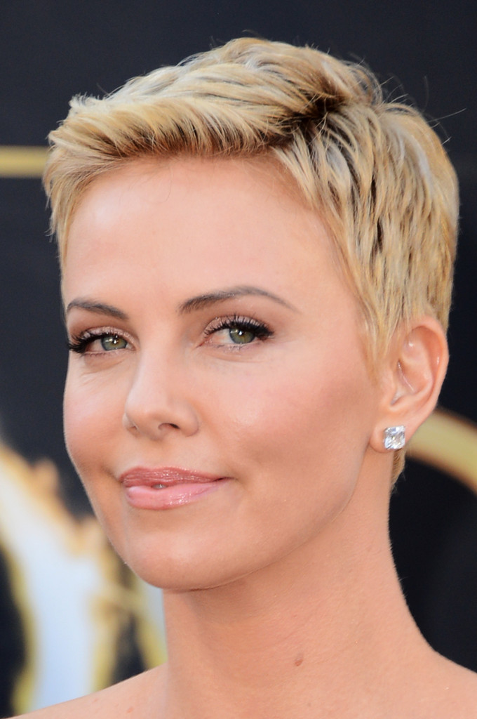 Charlize Theron Short Hairstyles Charlize Theron Hair StyleBistro