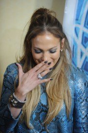 jennifer lopez dark nail polish