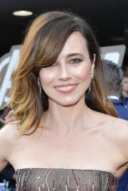 linda cardellini long side part