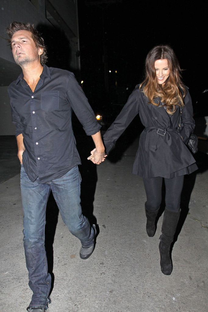 Kate Beckinsale Knee High Boots  Kate Beckinsale Looks  StyleBistro