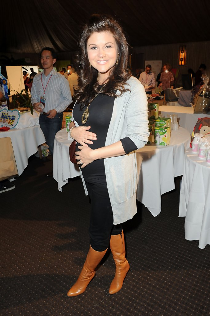 Tiffani Thiessen Knee High Boots Tiffani Thiessen Shoes