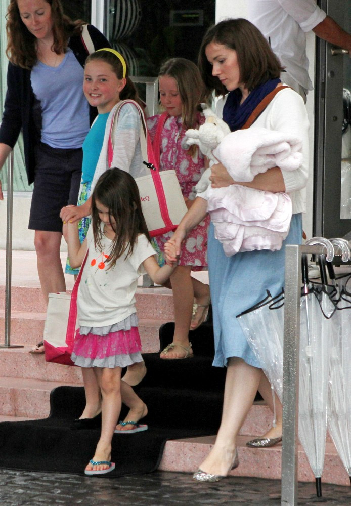 Katie Holmes And Suri Go To A Playdate  Zimbio