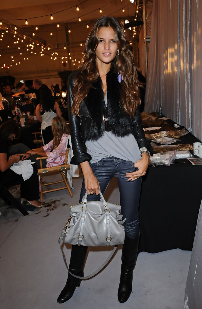 Izabel Goulart In VS Fashion Show Hair Amp Makeup Zimbio