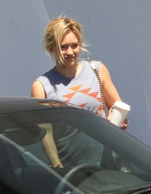 Hilary Duff Runs Errands - Zimbio