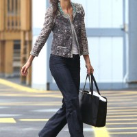 Fashionwidget's Cruising NYC with Katie Holmes - Street Style