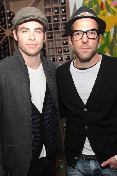 Smiley Wallpapers With Quotes Zachary Quinto Boyfriend Chris Pine