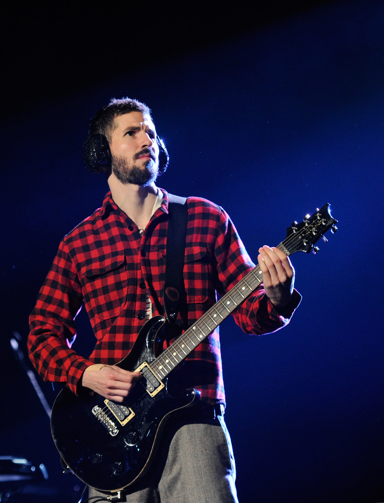Brad Delson Photos Photos  Linkin Park In Concert At The