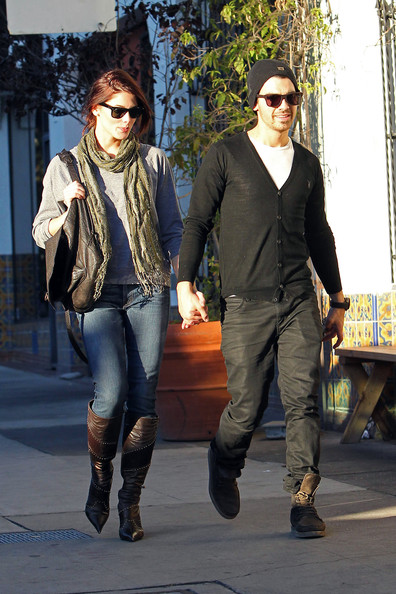 November 26, 2010. Joe Jonas and Ashley Greene have a late lunch at Cheebo. The happy couple were all smiles, holding hands on their way into the restaurant. The couple reportedly ran into trouble recently at a Dubai airport when Joe accidentally left cheese knives in his hand luggage.