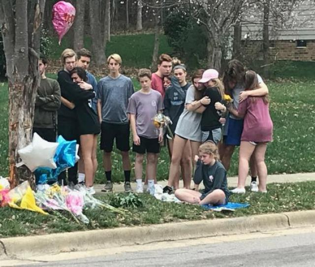 Teens Who Knew Hannah Gather At A Memorial At The Scene Of Last Nights Fatal Crash